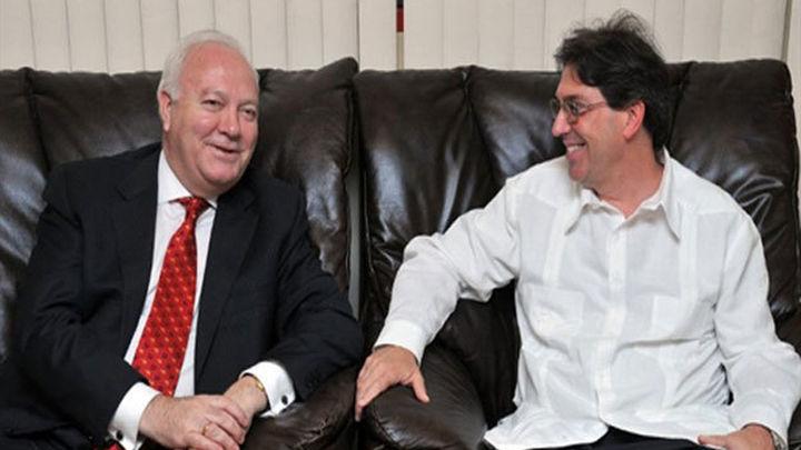 Moratinos confía en el éxito de su viaje a Cuba
