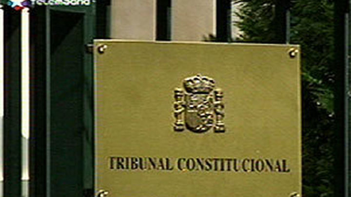 """El Gobierno dice que el Constitucional """"carece de potestad"""" para suspender la ley del aborto"""