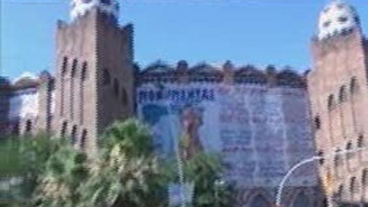 Bronca ante la Monumental antes de la votación sobre la prohibición taurina