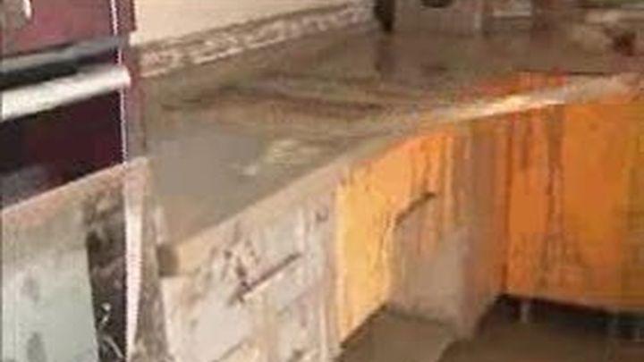 Bujalance y Aguilar de la Frontera limpian de lodo casas y calles