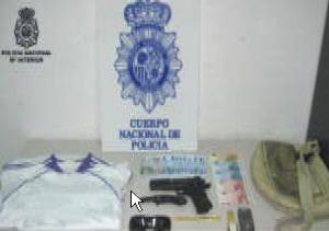 Material incautado al atracador