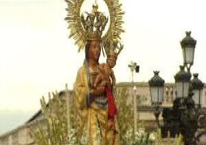 La Virgen de la Almudena en procesión