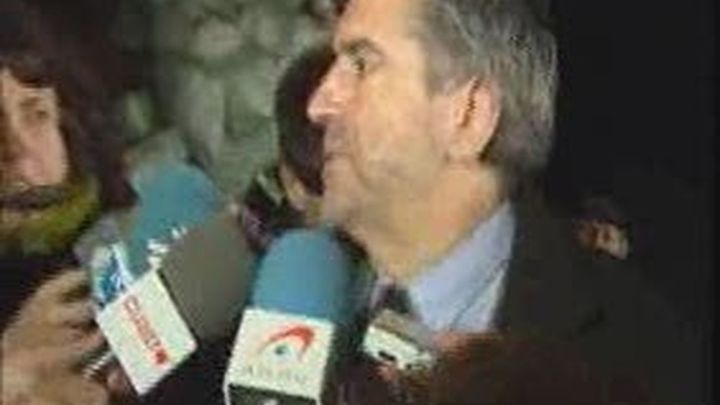 """López sale en defensa de Eguiguren y dice que no va  permitirá """"ningún tipo de persecución a un hombre bueno"""""""