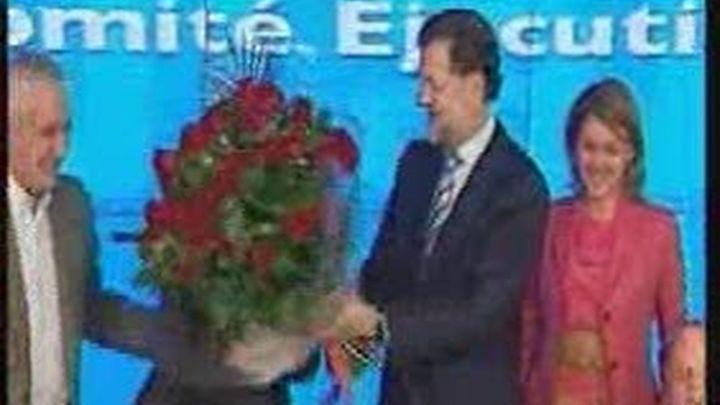 Rajoy dice que la confianza en el PP sube al tiempo que el descrédito de Zapatero