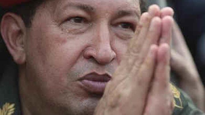 """Chávez viajará a Cuba para someterse a un tratamiento """"especial"""""""