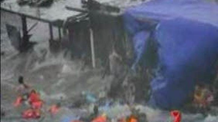 Al menos 27 muertos en el naufragio de un barco con inmigrantes ilegales en Australia