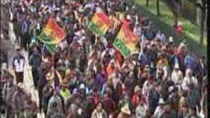 """Evo Morales afronta el conflicto por el """"gasolinazo"""" con un incremento salarial del 20%"""