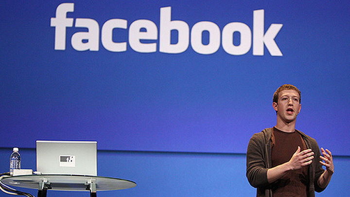 Psicólogo advierte de que las redes sociales pueden ayudar a las jóvenes a caer en la anorexia