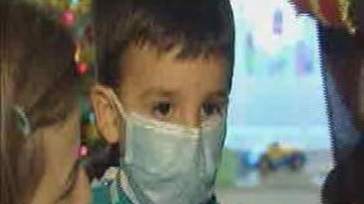 Los Reyes Magos adelantan su visita a los niños internados en el hospital Gregorio Marañón
