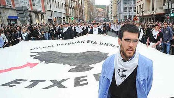 Los gobiernos español y francés rechazan hablar con los presos de ETA