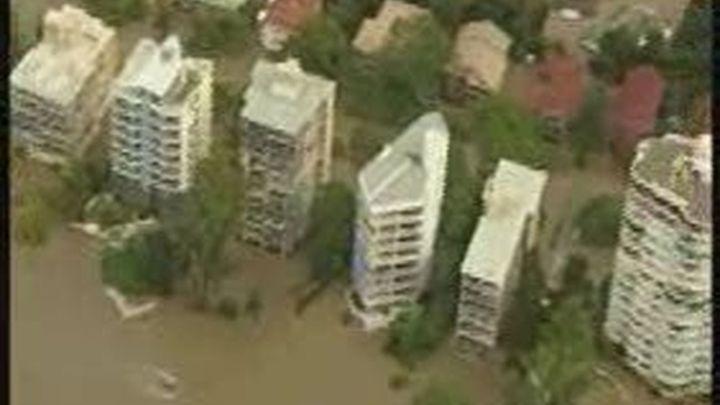 Miles de evacuados por las riadas en la ciudad australiana de Brisbane que han causado 23 muertos en el país