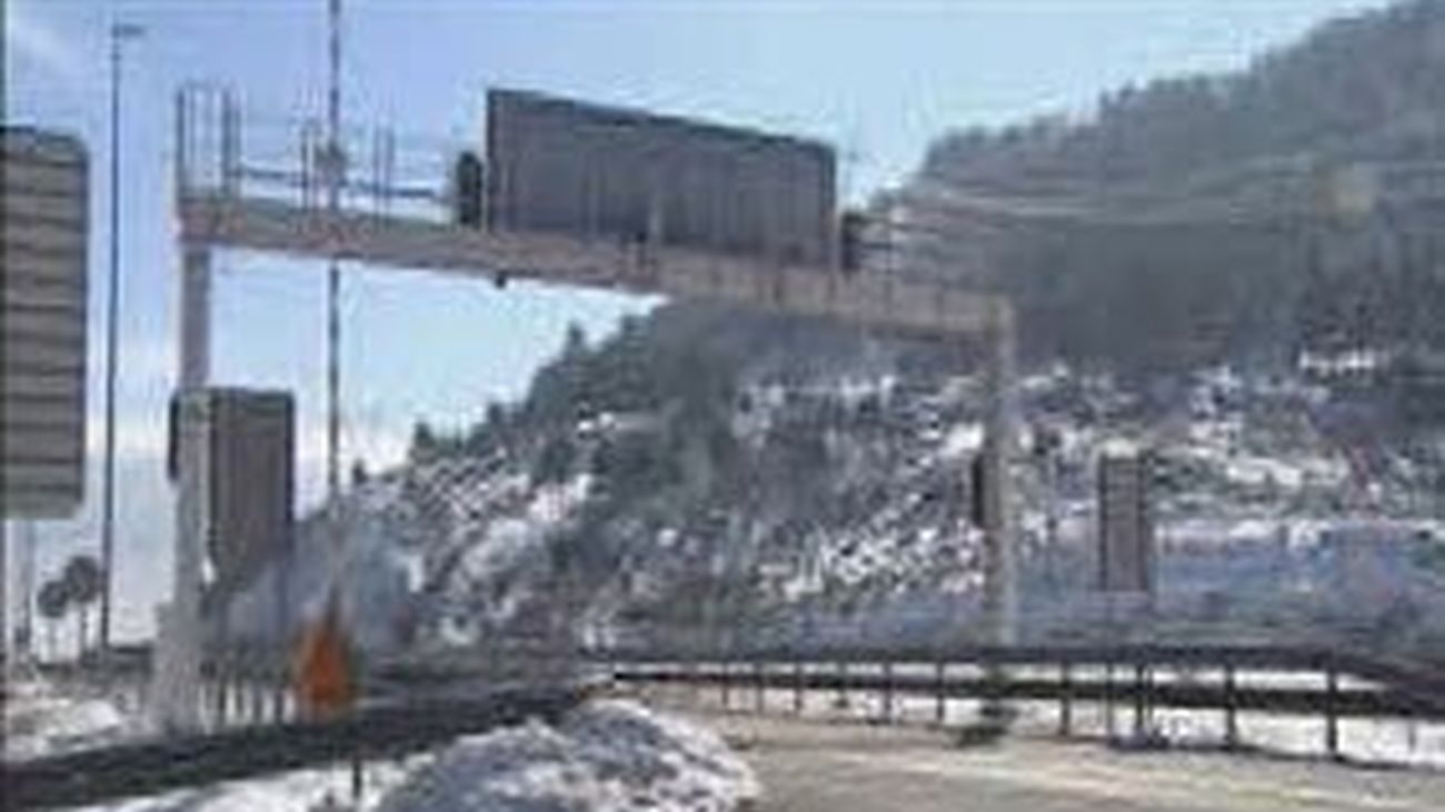 Entra en funcionamiento el radar de tramo del túnel de Guadarrama