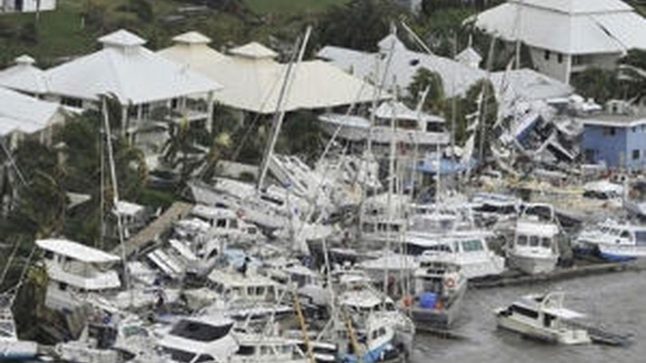 El ciclón 'Yasi' arrasa el noreste de Australia sin causar daños personales