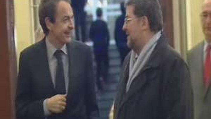 Zapatero niega que haya cambiado su política pese a alargar la vida de las centrales nucleares