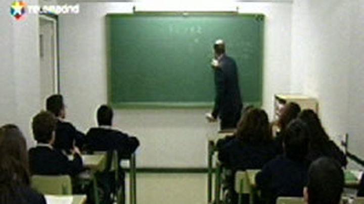 La Comunidad convocará oposiciones a profesor este año