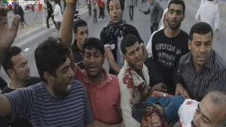 El Ejercito dispara contra los manifestantes en Bahréin