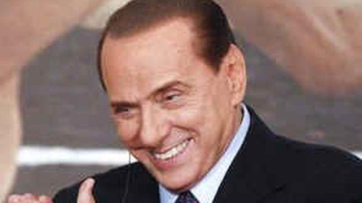 Berlusconi dice que si Monti acepta liderar a los moderados él dará un paso atrás