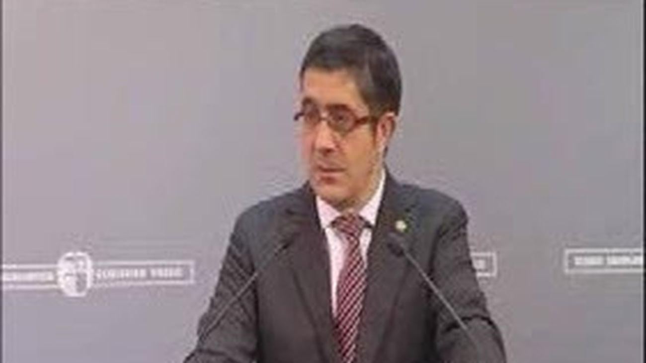 Patxi López exige a Sortu que reclame la desaparición definitiva de ETA