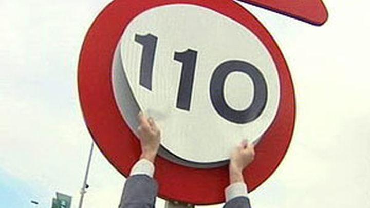 Fomento reducirá la iluminación en las carreteras para ahorrar más tras el recorte de velocidad