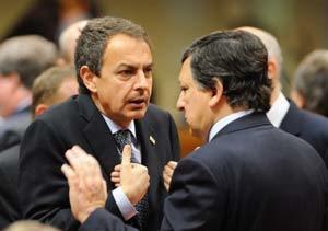 Zapatero, de nuevo forzado a rectificar su política económica
