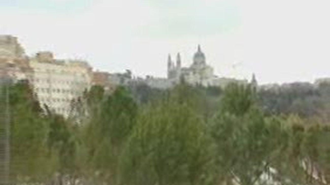 Abre el tramo norte del Salón de Pinos y los nuevos jardines  de la ermita de Virgen del Puerto