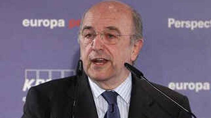 Almunia pide que las autonomías fijen una regla de límite del gasto