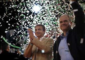 Zapatero y Chaves en un mitin durante la campaña de las elecciones europeas de 2010