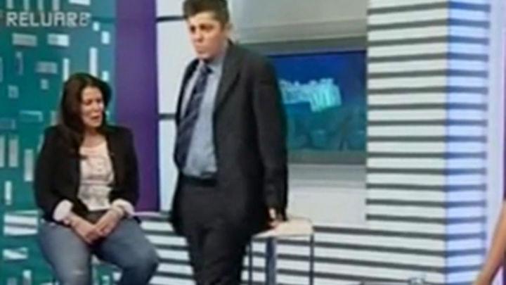 Un político rumano imita a Michael Jackson en un programa de televisión
