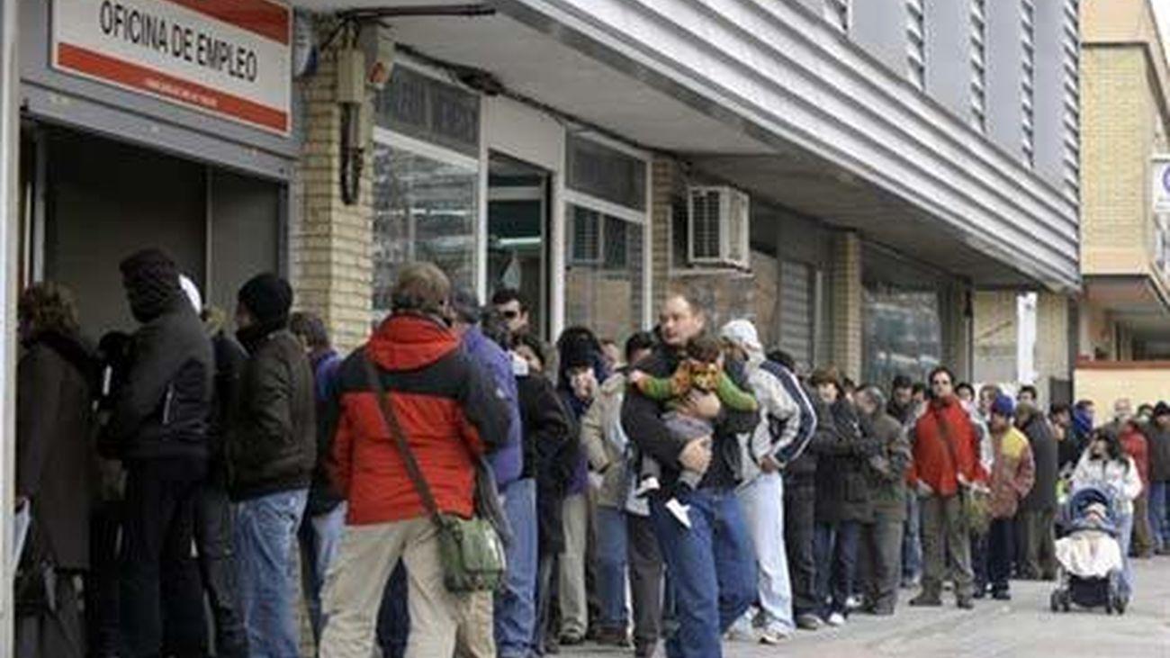 Un 34,6% de los desempleados en España son parados de muy larga duración