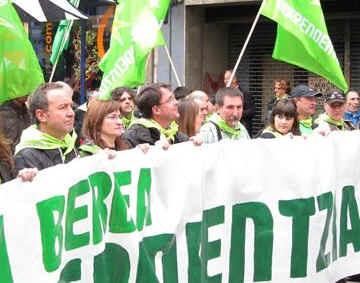 Miles de simpatizantes de Bildu y de la izquierda abertzale reclaman la independencia