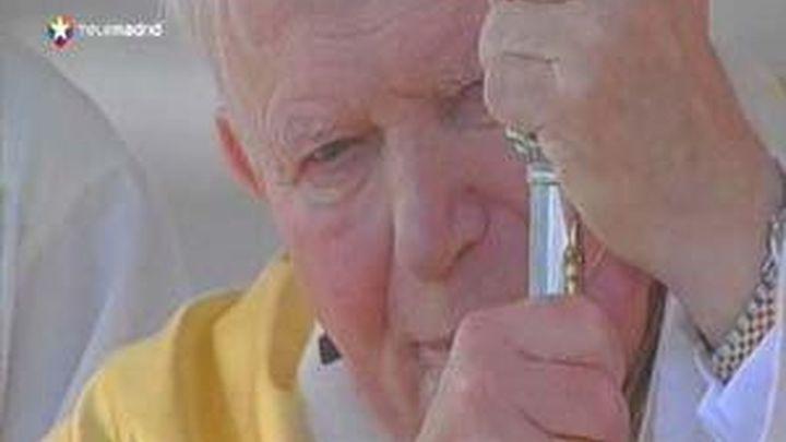 El féretro de Juan Pablo II sacado de la tumba para la beatificación