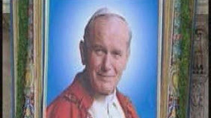 Más de 350.000 peregrinos  veneran el féretro de Juan Pablo II