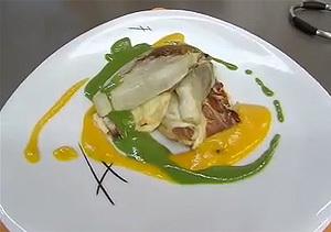 Pollo con lima y verduras y endibias rellenas