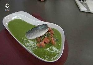 Sopa fría de lima y calabacín