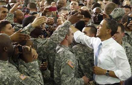 Obama condecora a los agentes que mataron a Bin Laden