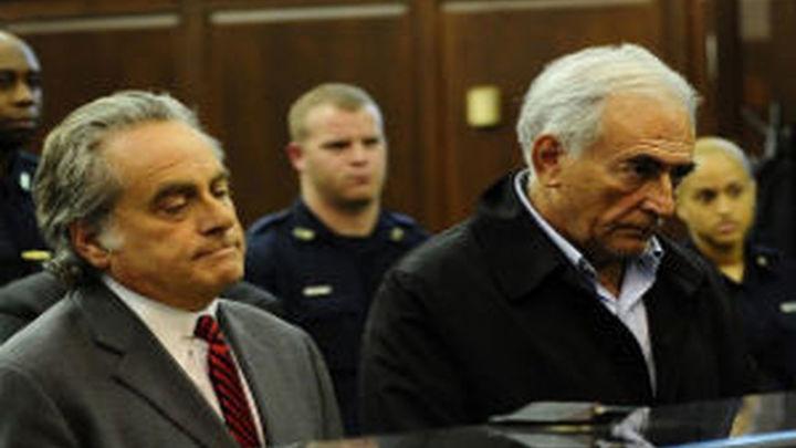 La empleada que acusó a Strauss-Kahn fue violada, según un informe médico