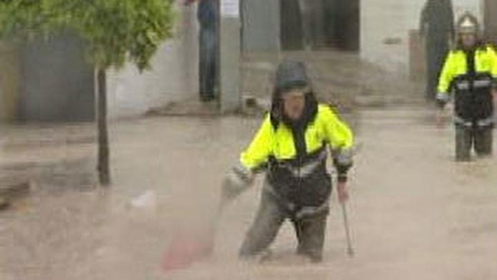 Una mujer fallecida y más de 150 casas desalojadas en Córdoba por las intensas lluvias
