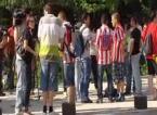Medio centenar de hinchas rojiblancos protestan en el Calderón