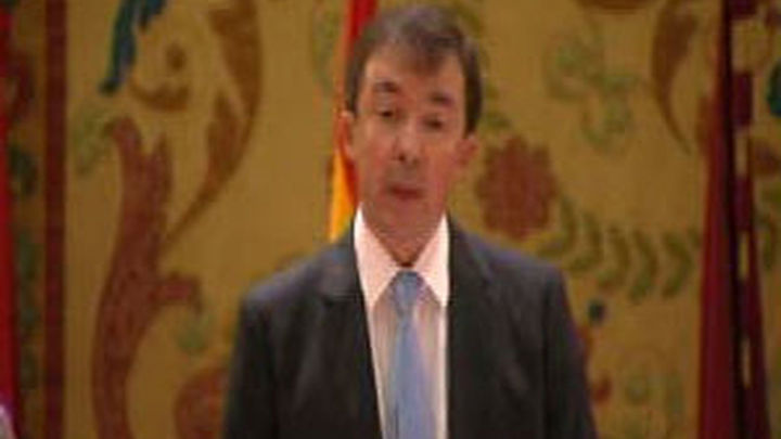 """Carrillo asume la Rectoría de la Complutense para """"restablecer""""  las """"buenas"""" relaciones con las instituciones"""