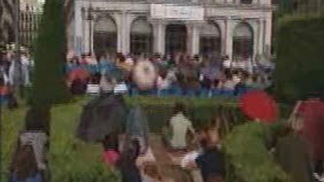Ópera en la calle a pesar del diluvio