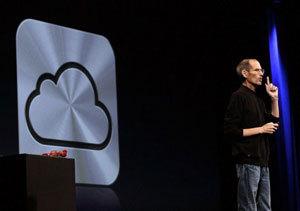 Steve Jobs, consejero delegado de Apple, durante la presentación de iCloud