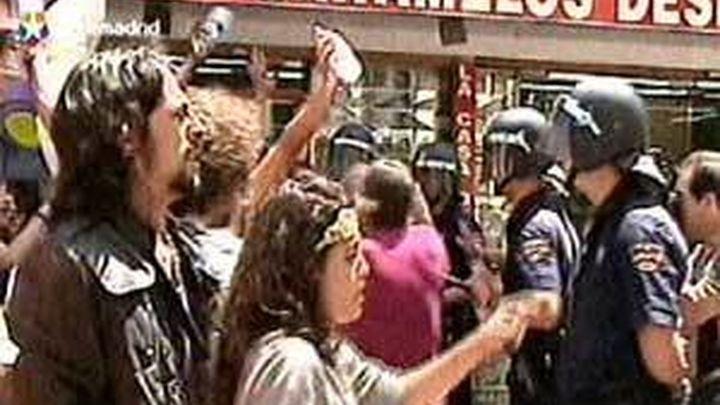 """Una marcha de """"indignados"""" exige por Valencia la libertad de los 5 detenidos"""