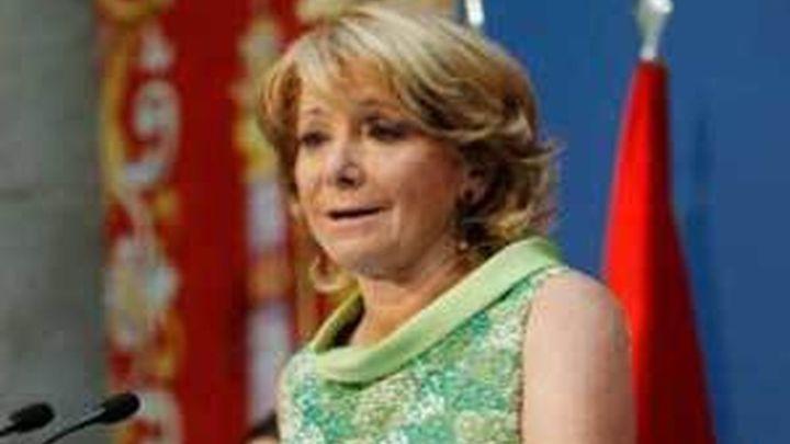 Aguirre inicia emocionada su tercer mandato como presidenta de la Comunidad de Madrid