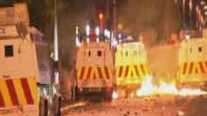 Enfrentamientos entre nacionalistas y unionistas en Belfast