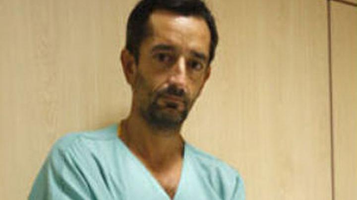 El cirujano Cavadas realiza el primer trasplante de dos piernas del mundo en Valencia