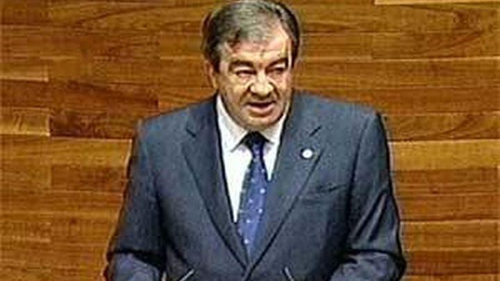 Alvarez-Cascos reducirá la administración asturiana y eliminará las delegaciones exteriores
