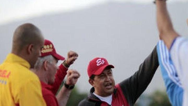 """Chávez llama a la """"unidad del país"""" tras entrenarse con sus colaboradores"""