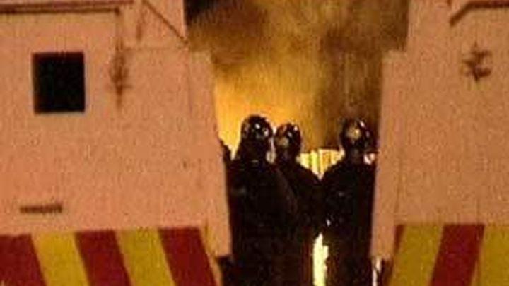 Varios policías heridos en disturbios registrados en Belfast tras las marchas protestantes