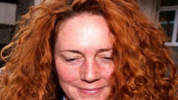 Rebekah Brooks queda en libertad tras más de 12 horas de interrogatorio