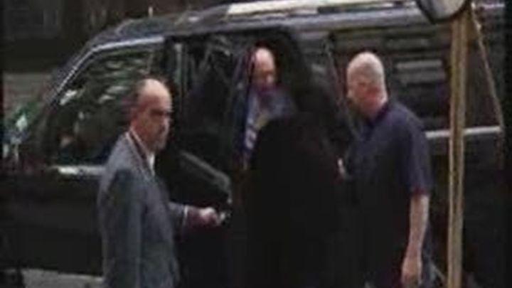Murdoch regresa a los EEUU donde se le investiga por el posible espionaje a las víctimas del 11-S